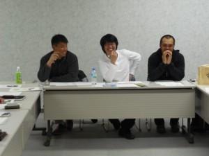 梶代表(中央)黒田副代表(右)竹中副代表(左)とかちプラザにて